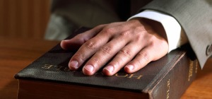 1-hand-on-bible