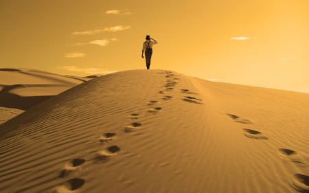 sand-desert-alone-people-sand-dunes-footprint-1920x1200-hd-wallpaper